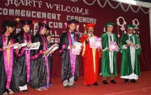 Vice Chancellor Prof Saket Kushwaha with graduating batch of the SFS Collge.