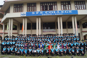 Vice Chancellor Prof Saket Kushwaha with 2019 graduating batch of the SFS college, Aalo