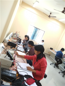"""Refresher Course in Experimental Physics """"The course aimed to familiarize the participant teachers with a set of new experiments that have been developed as a low cost kit by the Indian Academy of Sciences to cater to the B.Sc. and M.Sc. Levels. click me"""